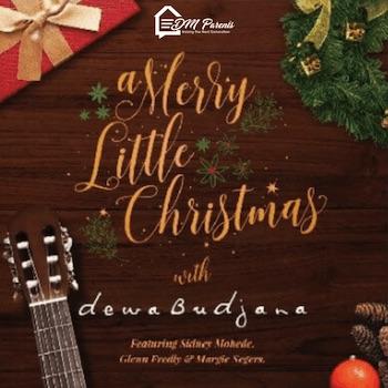 Mendengarkan A Merry Little Christmas Bersama Keluarga