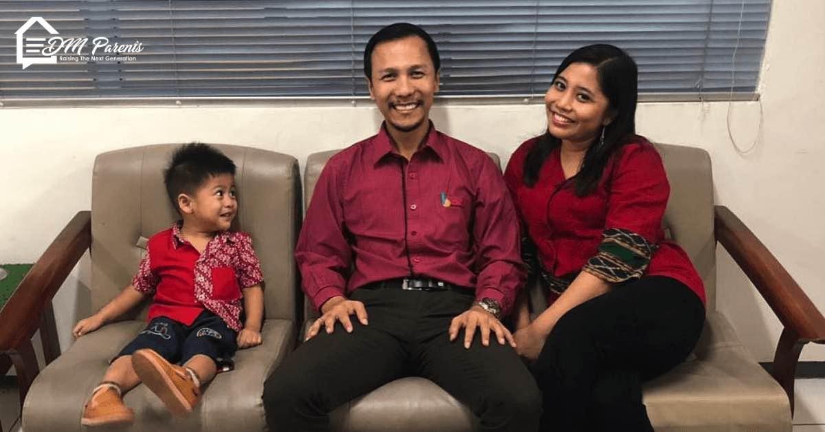 Keluarga Anton Hendrik Bekerja Sama Melakukan Tugas Rumah Tangga